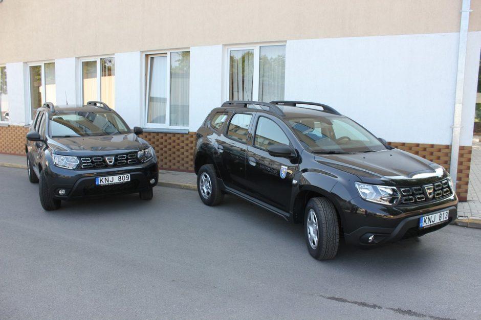 Gruzdžių ir Kairių socialiniams darbuotojams perduoti nauji automobiliai