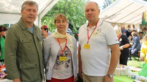 """Gudžiūnuose – rajono bendruomenių sąskrydis """"Lietuvai 100 gerų darbų vainiką mes pinam"""""""