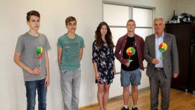 Valstybės dienos proga merui – Utenos atviro jaunimo centro dovana