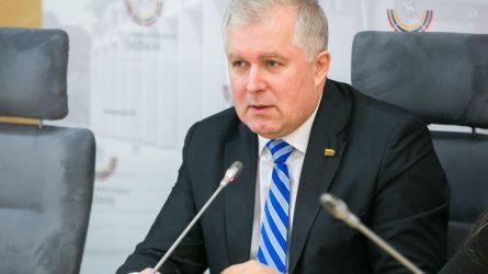 """Arvydas Anušauskas: """"Švietimo sistemoje dirbantys žmonės turi galvoti apie tai, kas bus ir kur bus Lietuva"""""""