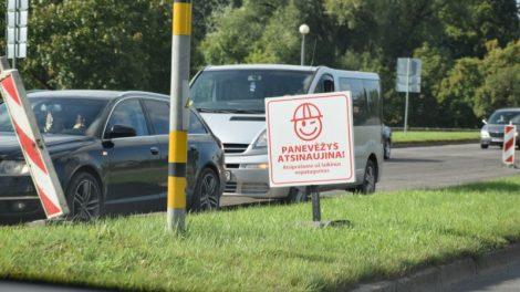 Panevėžyje laikinai draudžiama statyti automobilius