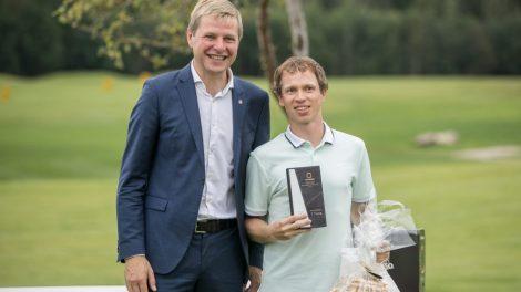 Vilniaus Meras įteikė taurę kasmetiniame golfo turnyre