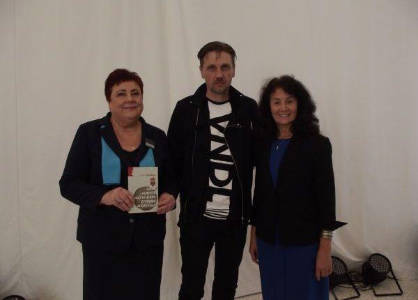 Kristinos Urniežienės nuotraukoje iš kairės į dešinę: Zita Sinkevičienė, Aidas Jurašius, Janina Rekašienė