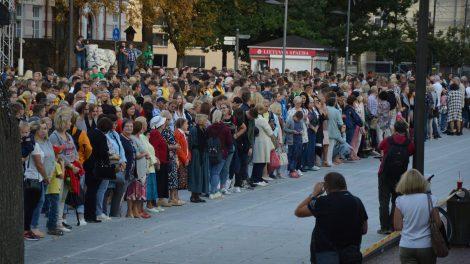 """Pasiektas ilgiausio """"Sugedusio telefono"""" rekordas Lietuvoje"""