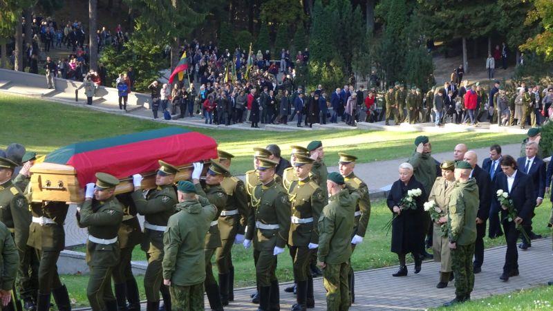 Marijampoliečiai atidavė pagarbą partizanų vado Adolfo Ramanausko-Vanago atminimui