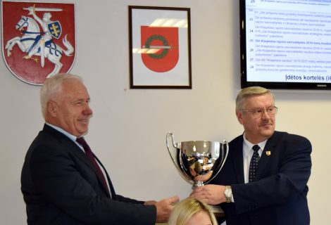 Klaipėdos rajono savivaldybei – Lietuvos seniūnijų sporto žaidynių nugalėtojų taurė