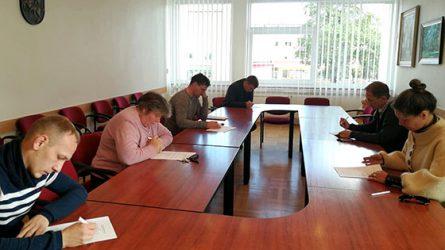 Dėl Konstitucijos egzamino nugalėtojo vardo varžosi šeši Radviliškio rajono savivaldybės gyventojai