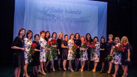 Rimtas nerimtas dainuojančių moterų kūrybinis dešimtmetis Baisogaloje sukvietė būrius gerbėjų