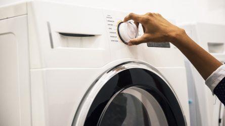 Atsargiai: skalbimo mašinos ir indaplovės gali pridaryti netikėtų nuostolių