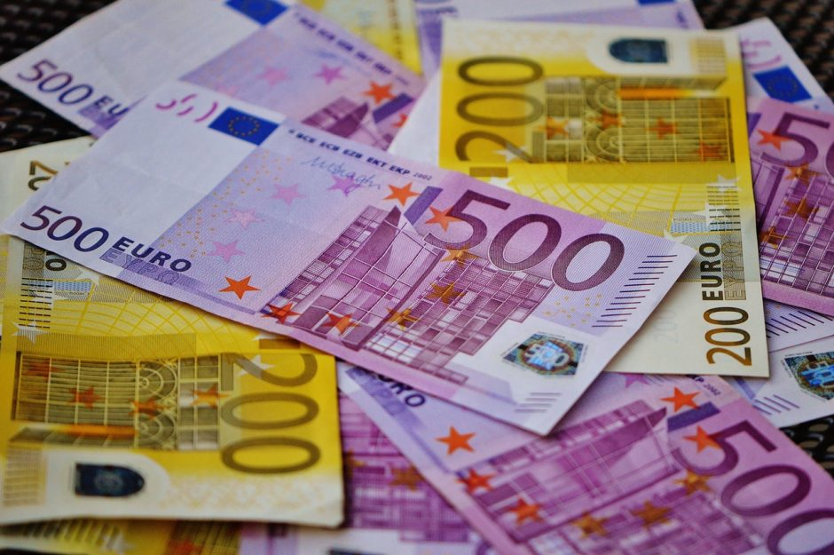 Skalbiami milijardai – kas naujo kovos su pinigų plovimu fronte?