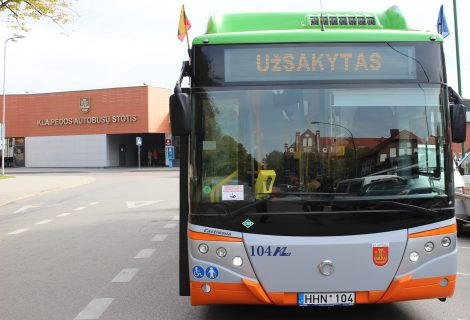 Klaipėdoje autobuso keleiviai – mokinukų įkaitai
