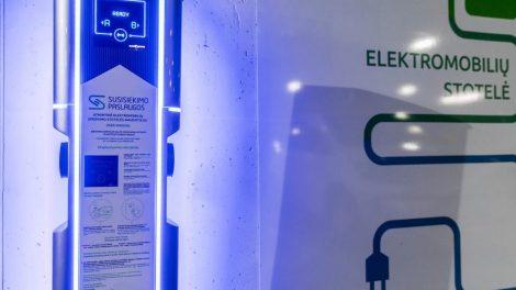Vilniuje bus įrengta apie 60 elektromobilių įkrovimo stotelių