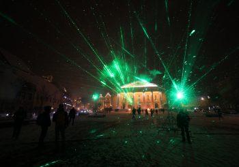 Vilnius šviečia ir kviečia – prasidėjo pirmasis Vilniaus šviesų festivalis