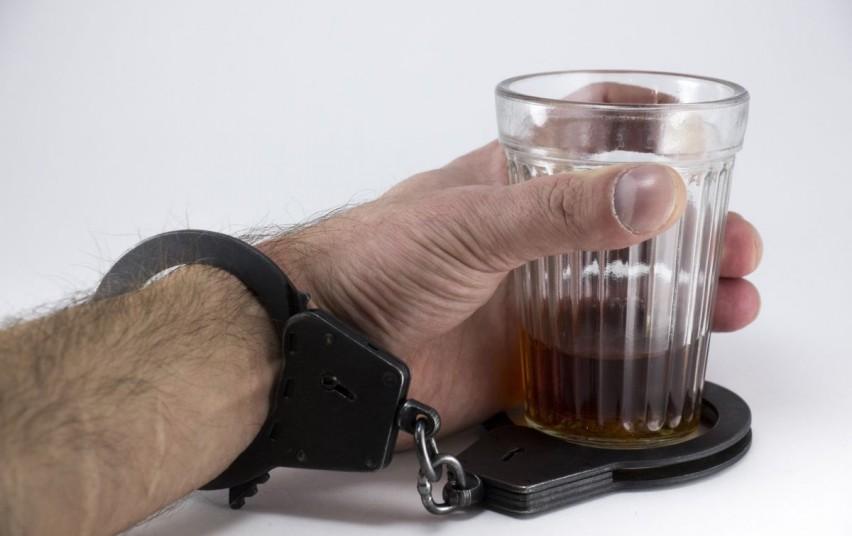 Panaikinta įstatymų spraga, sudaranti sąlygas neblaiviems vairuotojams išvengti baudžiamosios atsakomybės