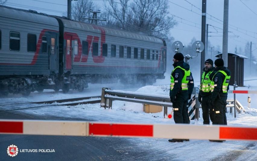"""Reido metu """"Lietuvos geležinkeliai"""" su Lietuvos kelių policija mokė vairuotojus nedaryti tragiškų klaidų"""