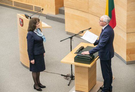 Prisiekė švietimo, mokslo ir sporto ministras Algirdas Monkevičius