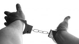 Uteniškiai nuteisti už turto prievartavimą ir kitus nusikaltimus