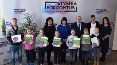 Pasveikintos Lietuvos čempionės – jaunosios futbolininkės