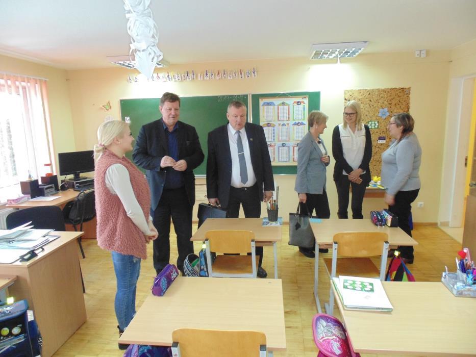 Komisijos nariai aplankė jau visas mokyklas