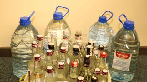 Namuose tvyrantis alkoholio kvapas identifikavo neteisėtą gaminį