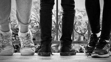 Moteriški batai internetu: niuansai, kuriuos reikia žinoti priešperkant