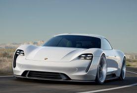 """10 faktų apie """"Porsche Taycan"""": pavadinimo legenda, įspūdinga galia ir gamyklos konversija"""