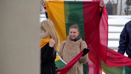 Trispalviai linkėjimai iš Saulės miesto – Šiaulių