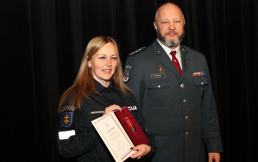Lietuvos Nepriklausomybės atkūrimo dieną – apdovanojimai Šiaulių apskrities policijos darbuotojams