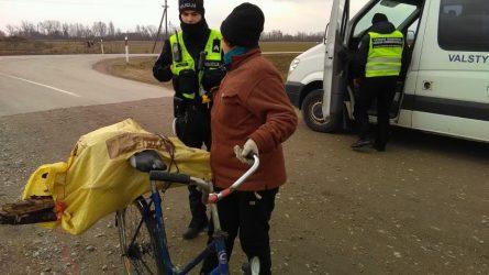 Kad dviratininkams ir pėstiesiems kelyje būtų saugiau