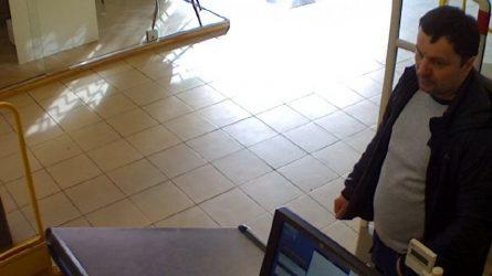 Ieškomas prekybos centre galimai vogęs vyras