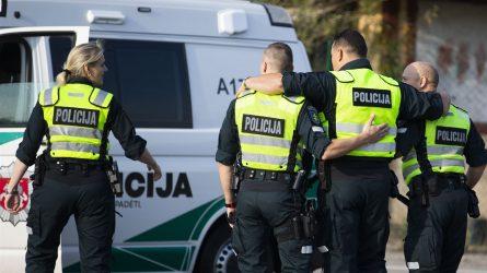 Policijos vadovybė skirs lėšų darbuotojų skiepams nuo tymų kompensuoti