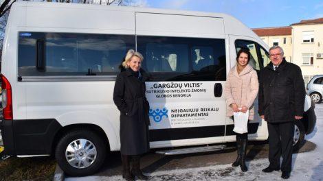 Klaipėdos rajono neįgaliesiems – naujas autobusiukas