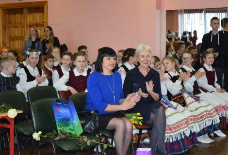 Gargžduose aidėjo liaudies muzika ir tautiniai šokiai