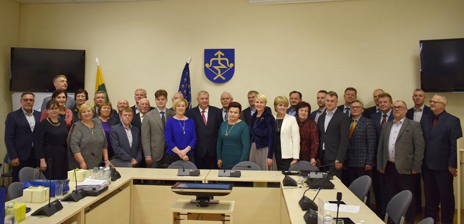 Paskutiniame Savivaldybės tarybos posėdyje – darbas ir sveikinimai