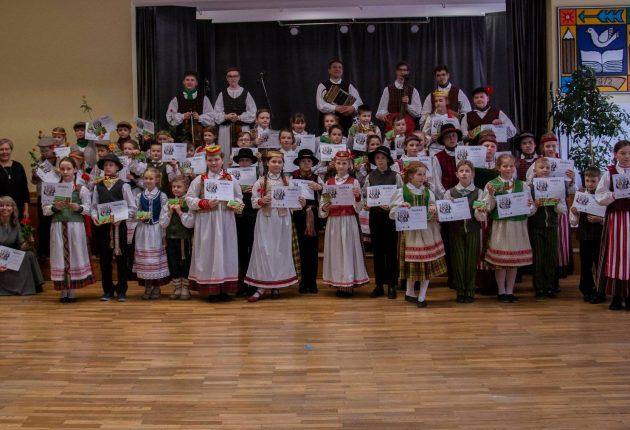 """Šiauliuose įvyko respublikinių folklorinių šokių varžytuvių """"Patrepsynė 2019"""" vietinis turas – Gerdos Verbliugevičiūtės nuotr."""