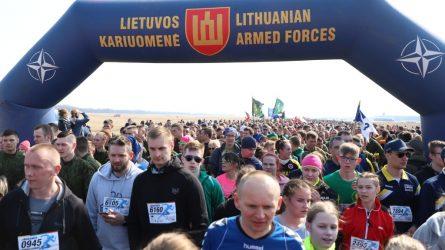 """Renginyje """"Runway Run"""" tūkstantinė dalyvių minia"""
