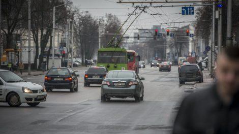 Pagrindinėse Kauno gatvėse eismas judės greičiau – mažėja kairiųjų posūkių