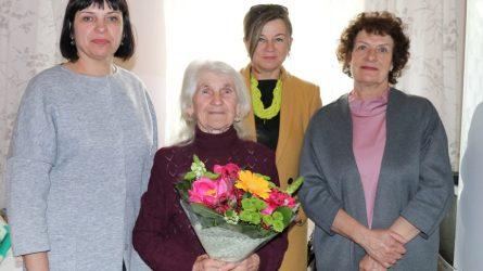 90-ojo jubiliejaus proga pasveikinta priekuliškė A. Ivanauskienė