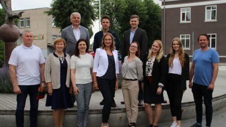 Į pirmąjį posėdį rinkosi naujai išrinkta Jaunimo reikalų taryba