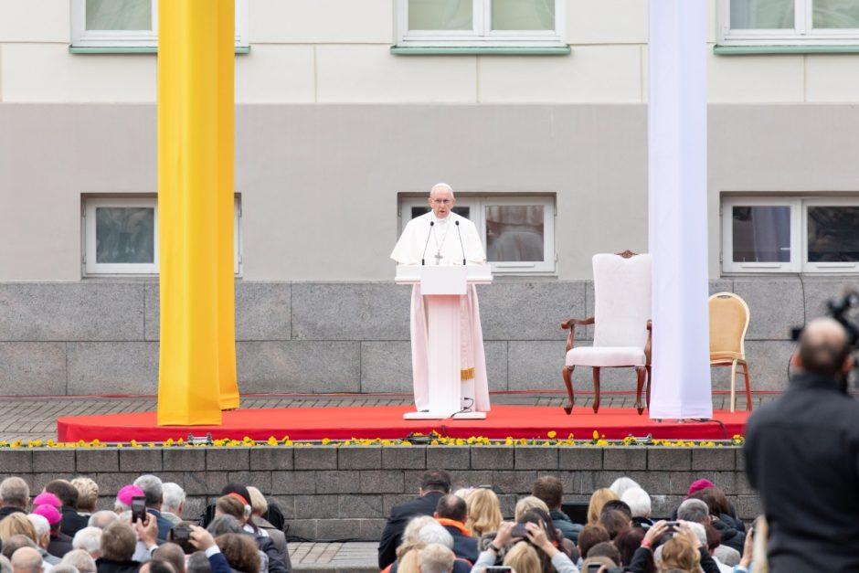 Popiežiaus Pranciškaus žinia 53-osios Pasaulinės visuomenės komunikavimo priemonių dienos proga