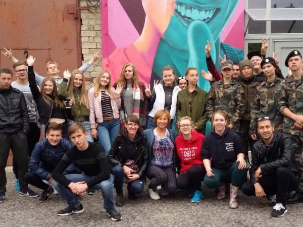 Dreverną užtvindys gausus būrys aktyvaus jaunimo