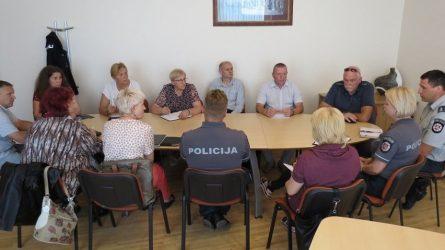 Raseinių policijos komisariato pareigūnai ir mokyklų atstovai aptarė aktualius klausimus