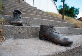 Naujas meninis akcentas Kaune kviečia pasimatuoti palaimintojo T. Matulionio batus