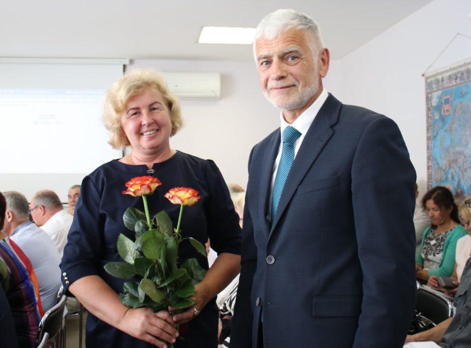 """Taryba pritarė: """"Vaivorykštės"""" gimnazijai vadovaus Ona Sturonienė"""