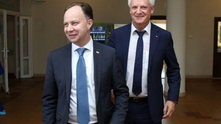 """Ministras A. Veryga: """"Pokyčiai labai geri, ligoninė juda į priekį""""."""