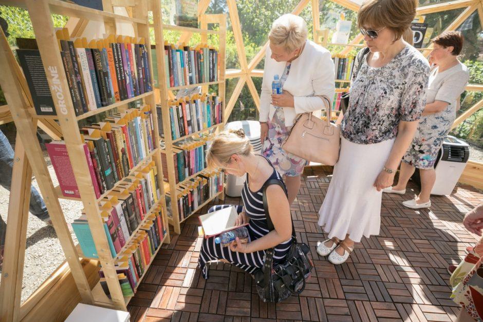 Bernardinų sode atidaryta vasaros skaitykla