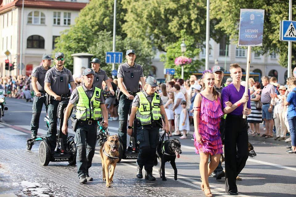 Jūros šventė: policijos pareigūnai ir intensyviai dirbo, ir dalyvavo renginiuose