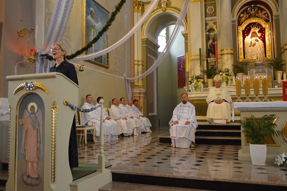 Žemaičių Kalvarijoje melsta už jaunimą, švęsta pagrindinė diena