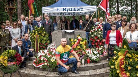 Lenkijoje pagerbtas legendinių lakūnų atminimas