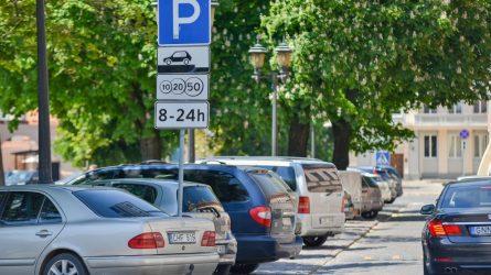 Užgrūstame Kauno centre planuoja keisti automobilių stovėjimo tvarką